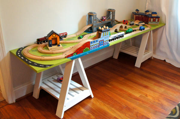 6 Foot Long Play Train Table