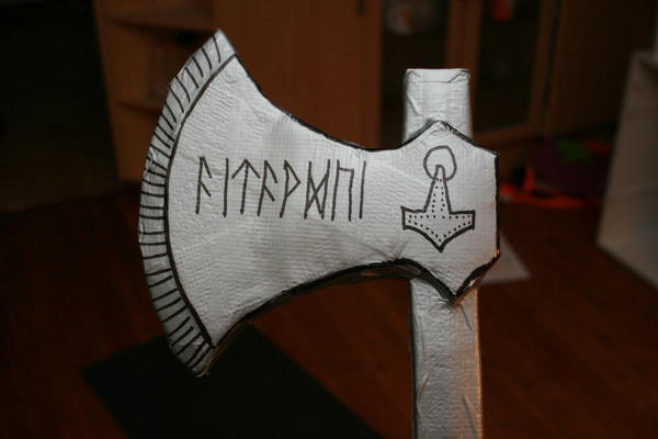 How to Make a Duct Tape Battle Axe