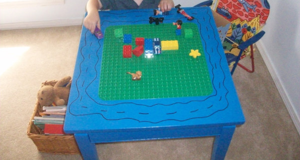 Easy Duplo Play Table Thrift Store Hack