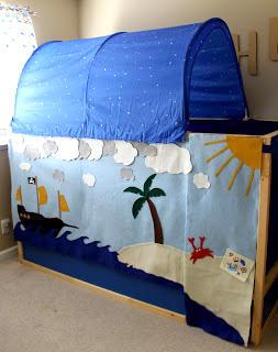 Kura Pirate Bed
