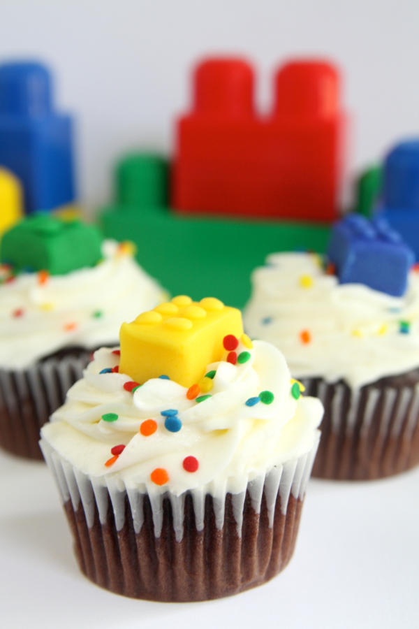 LEGO Brick Fondant Cupcake Idea