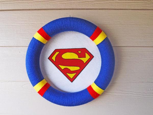 Superman wreath