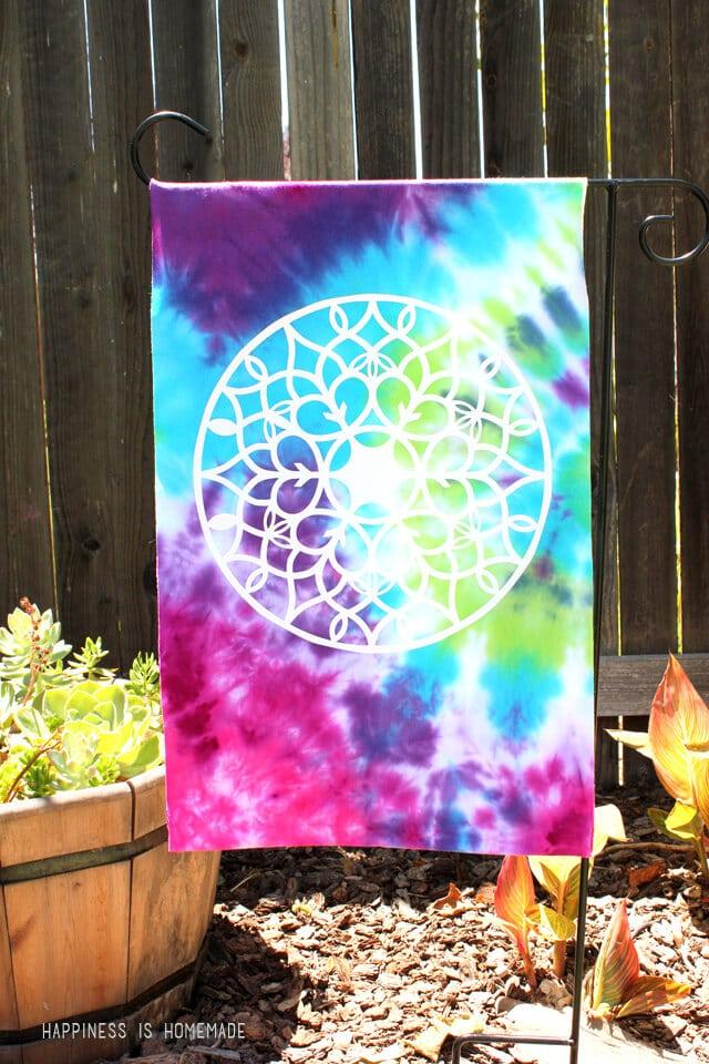 Tie Dye a Garden Flag