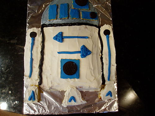 R2-D2 Cake Design